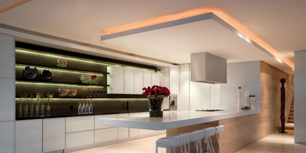 Suspended-ceiling-for-modern-kitchen-with-superb-lighting-design